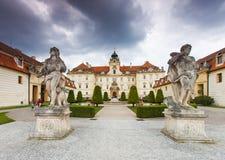 Το παλάτι lednice-Valtice σύνθετο είναι το μεγαλύτερο συγκρότημα του τύπου του στον κόσμο. Στοκ Φωτογραφία