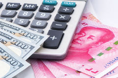 Valuta americana e cinese Fotografia Stock Libera da Diritti