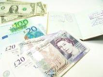 Valuta e passaporto Immagini Stock Libere da Diritti