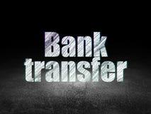 Valutabegrepp: Banköverföring i mörkt rum för grunge Royaltyfri Fotografi