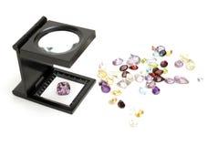 Valutazione delle pietre preziose Fotografia Stock