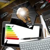 Valutazione di rendimento energetico - Camera con la lampadina Immagini Stock Libere da Diritti