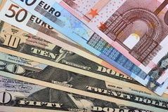Valute fuori smazzate Fotografia Stock