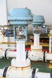 Valve de contrôle de la pression dans le processus de pétrole et de gaz et commandé par le contrôle de logique de programme, le c Photo libre de droits