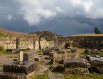 Valvgången på fördärvar av forntida Olympia, Grekland royaltyfri bild