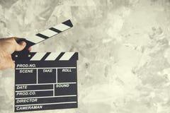 Valvola di film della mano dell'uomo immagini stock
