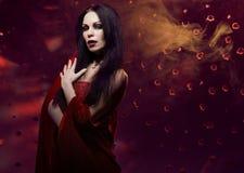 Vampire de femme photographie stock libre de droits