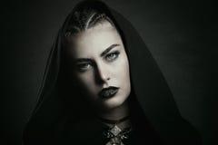Vampiro con i bei occhi verdi Fotografie Stock
