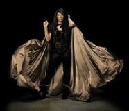 Vampiro femenino con el capote Imágenes de archivo libres de regalías