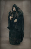 Vampiro mutante di orrore antico con i grandi chiodi spaventosi F medievale Immagini Stock