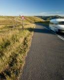 Van на дороге countyside Стоковые Изображения