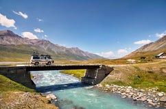 Van на мосте стоковое изображение rf