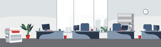 Van achtergrond bureaudesktops Vector Werkplaats bedrijfsstijl Lijst en computers in een openspace Vlakke stijlillustratie royalty-vrije illustratie