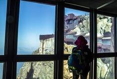 Van Aiguille du Midi (3.842 m) de post, Mont Blanc-massief royalty-vrije stock afbeeldingen
