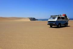 Van au bord de l'océan de paracas Image stock