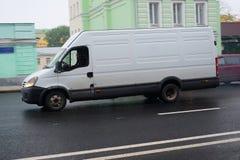 Van auf Straße Ohotniy Riad Lizenzfreies Stockbild