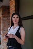 Van bedrijfs Nice dame in de koffie Portret Stock Foto's