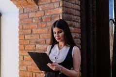 Van bedrijfs Nice dame in de koffie Portret Stock Foto