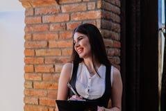 Van bedrijfs Nice dame in de koffie Portret Stock Afbeeldingen