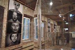 19/92 Van bij het begin Moderne kunsttentoonstelling in Moskou Stock Fotografie