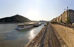 Van Boedapest de stad en van Donau rivier Stock Afbeeldingen