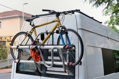 Van con la cerradura para una bicicleta Foto de archivo libre de regalías