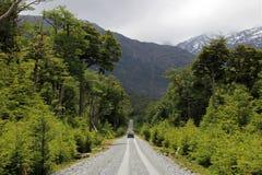 Van conduisant sur Carretera austral, Chili Photos libres de droits