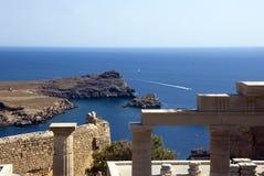 Van daar oude tempel - Griekenland stock afbeeldingen