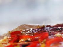 Van de van achtergrond pizzapepperonis hete verse heerlijk substraatafstand Stock Foto