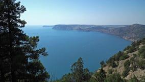 Van de Baai de Krimbergen van de Zwarte Zee Zomer Sebastopol stock videobeelden