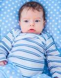 2 van de babymaanden oud jongen thuis Royalty-vrije Stock Foto