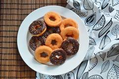 Van de bakkerijproducten van Donutsframbozen gastronomische het voedsel van het fruitbessen Stock Foto's