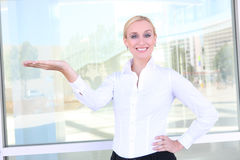Van de bedrijfs blonde Vrouw Stock Afbeeldingen
