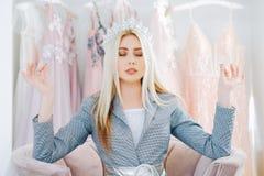 Van de de boutiqueontwerper van de luxemanier de persoonlijke stilist stock afbeelding
