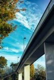 Van de de brugweide van Mannheim Duitsland van het de aardvervoer de weg van de hemel het concrete autobahn uitstekende lopen stock afbeeldingen