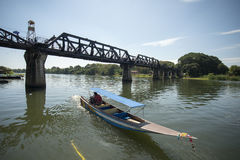 VAN DE DE DOODSspoorweg VAN THAILAND KANCHANABURI DE BRUGrivier KWAI Stock Foto's
