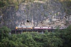 VAN DE DE DOODSspoorweg VAN THAILAND KANCHANABURI DE RIVIER KWAI Stock Foto's