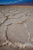 Van de de Doodsvallei van het Badwaterbassin de zoute vormingen Stock Afbeeldingen