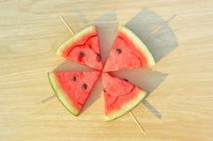 Van de de ijslolly yummy vers zomer van de watermeloenplak het fruitsnoepje stock afbeelding