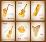 Van de de lay-outvlieger van het muziektijdschrift van de de uitnodigingssaxofoon de de vioolpiano trommelt het driehoekige ontwe Stock Foto's