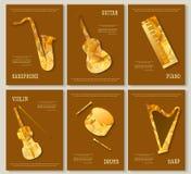 Van de de lay-outvlieger van het muziektijdschrift van de de uitnodigingssaxofoon de de vioolpiano trommelt het driehoekige ontwe Stock Afbeelding
