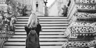 Van de de Reistempel van de vrouwen Kaukasisch Reiziger de Cameraconcept Royalty-vrije Stock Foto