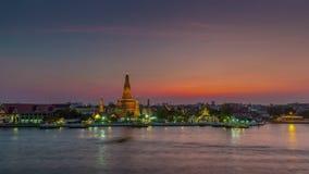 Van de de riviertempel van zonsondergangbangkok wat arun de tijdspanne van de het panorama4k tijd Thailand stock video