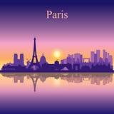 Van de de stadshorizon van Parijs het silhouetachtergrond Stock Afbeeldingen
