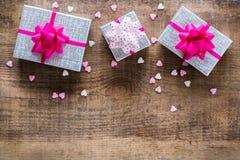 Van de de vakantieliefde van de valentijnskaartendag de achtergrond van de giftdozen Stock Foto