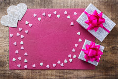 Van de de vakantieliefde van de valentijnskaartendag de giftkaart en doosachtergrond Royalty-vrije Stock Afbeeldingen