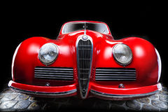 Van de de van achtergrond Alfa Romeo 6C 2300B donkere de Limousine donkere achtergrond van Cabrio Ondergeschikte bruine luxe retr Royalty-vrije Stock Afbeelding