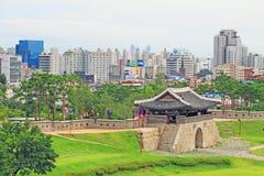 """Van de de Werelderfenis van Unesco van Korea de Plaatsen†""""Hwaseong Vesting en Suwon-Stad Stock Foto"""