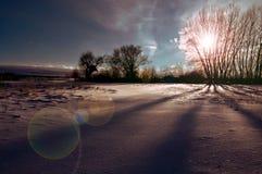 Van de de wolkenhemel van bergenheuvels de zonzonsondergang Royalty-vrije Stock Fotografie