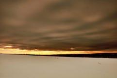 Van de de wolkenhemel van bergenheuvels de zonzonsondergang Stock Fotografie